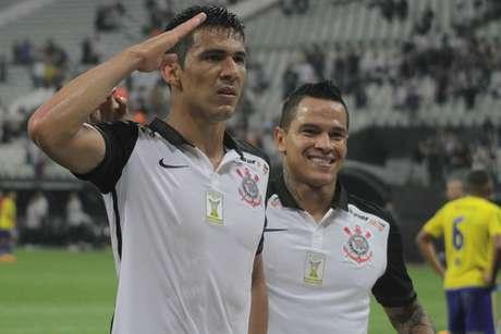 Comemoração de gol do Corinthians, marcado por Balbuena