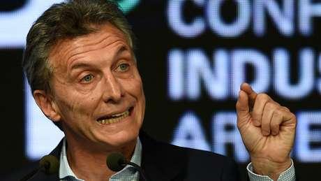 Presidente da Argentina nega irregularidades