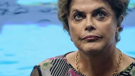Decisão do partido de Celso Russomano enfraquece base da presidente Dilma