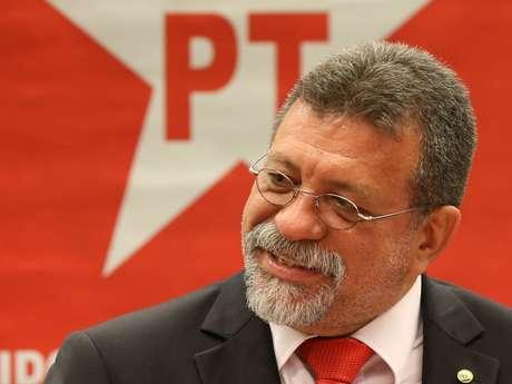 Líder do PT na Câmara aposta fichas na demonstração de que não há crime de responsabilidade para convencer os parlamentares indecisos