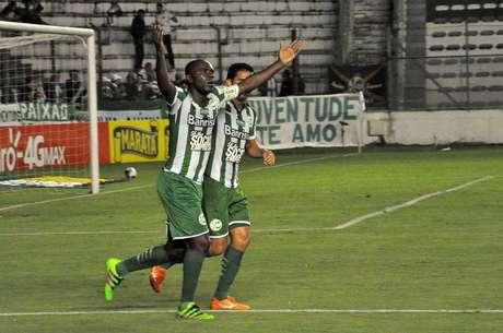 O veterano meio-campista Hugo marcou um dos gols da vitória do Juventude