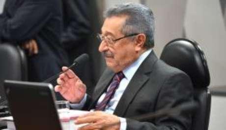 O senador José Maranhão, que será substituído por Dário Berger
