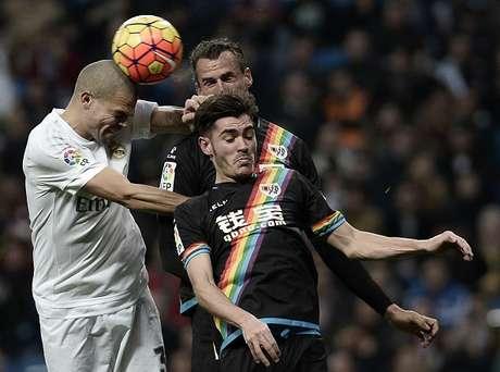 Liga bbva jornada 35 a qu hora juega el rayo real madrid for A que hora juega el real madrid