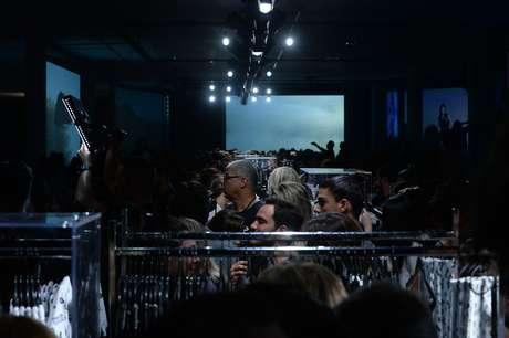 No fim do desfile, convidados puderam comprar as peças, que chegam nesta quarta-feira às lojas Riachuelo