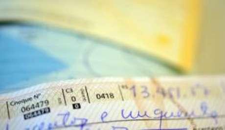 Taxa de juros do cheque especial atingiu o recorde de 300,8%