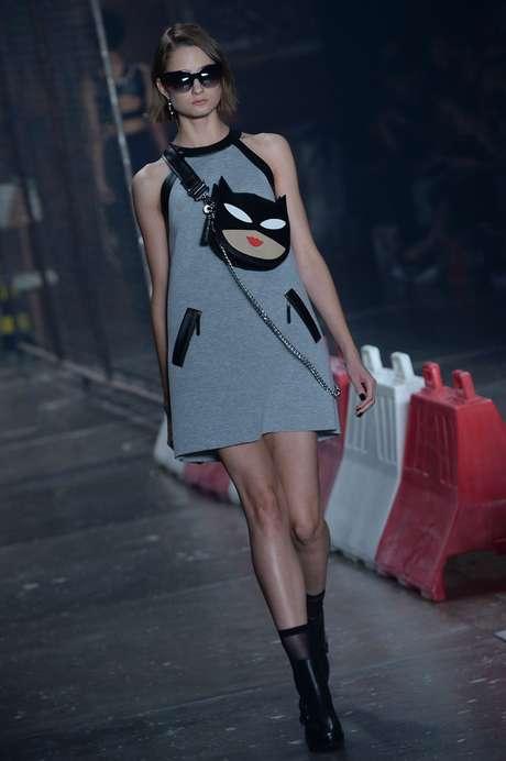 A Ellus 2nd Floor produziu 400 bolsas com a cara do Batman disponíveis na pop store da marca em SP