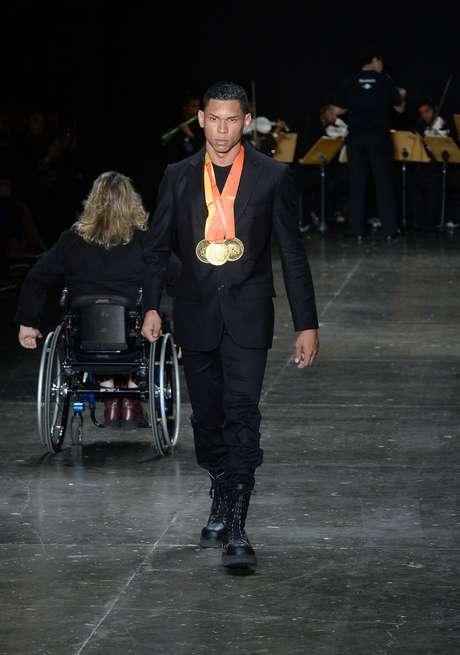 Matheus Evangelista Cardoso é o atual recordista mundial do salto em distância