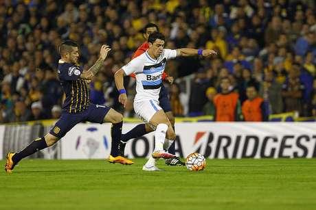 Bem marcado, Giuliano não evitou a eliminação do Grêmio