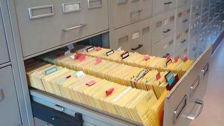 Os arquivos em Ludwigsburg contêm milhares de dados sobre possíveis crimes de guerra