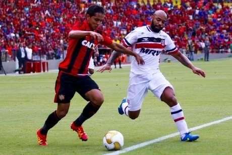 Empate sem gols na Ilha do Retiro garantiu o segundo título do Tricolor na temporada e o 29º no Estadual em sua história