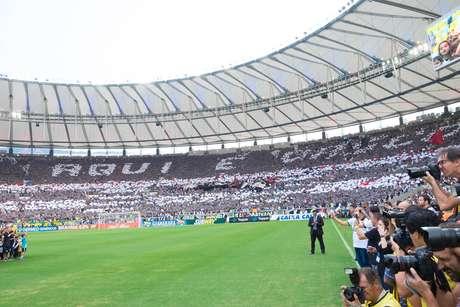 Mosaico da torcida do Vasco foi um dos destaques da decisão carioca no Maracanã