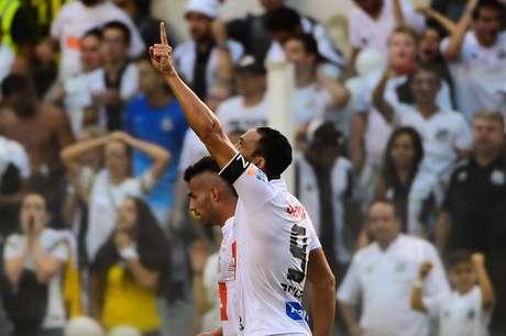 Golaço de Ricardo Oliveira deu o bicampeonato ao Santos