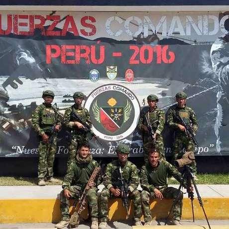 ver foto comando militar peru: