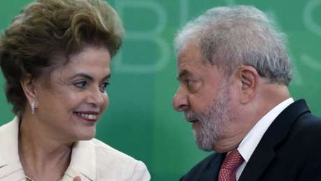 A presidente afastada Dilma Rousseff e o ex-presidente Lula