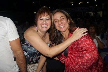 Cissa Guimarães e a atriz Narjara Turetta também marcaram presença no show de Orlando Morais, no RJ