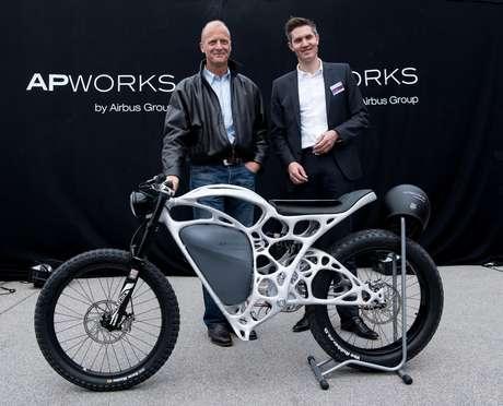 Filial de Airbus devela moto eléctrica impresa en 3D