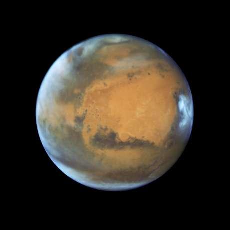 Marte aparece iluminado em fotografia tirada pelo Hubble