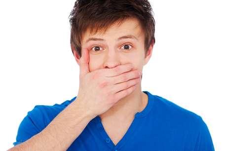 Desgaste dental quer dizer perda gradual de substâncias que formam o dente sem interferência da ação de microrganismos nem de traumas