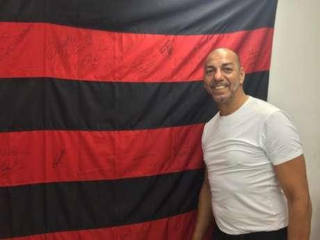 Ex-zagueiro do Flamengo, Mozer retorna ao clube agora como dirigente
