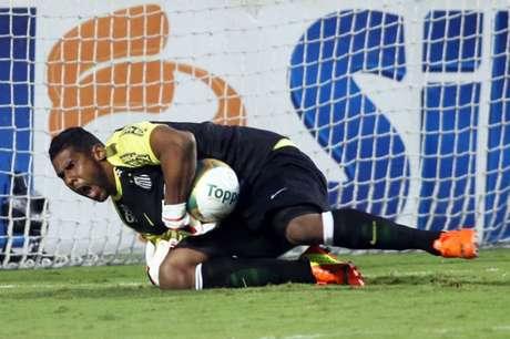 Aranha foi vítima de racismo quando defendia as cores do Santos, em 2014 (Foto: Eduardo Viana/ LANCE!PRess)