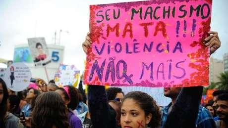 Evento pró-direitos da mulher no Rio em 2014; para jornalista, feminismo ainda é alvo de interpretações equivocadas