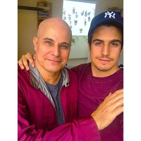 Edson Celulari ao lado do filho Enzo