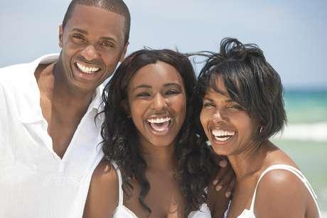 Estudos apontam que a maioria dos sorrisos bonitos são os naturais que não são necessariamente simétricos e uniformes