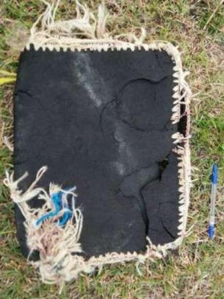 Bolsa foi um dos objetos descobertos na praia de Riake, em Madagascar