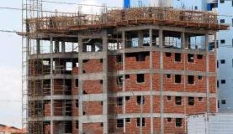 O limite do valor dos imóveis financiados nas regras da habitação popular é de R$ 225 mil e do Sistema Financeiro da Habitação é R$ 750 mil.