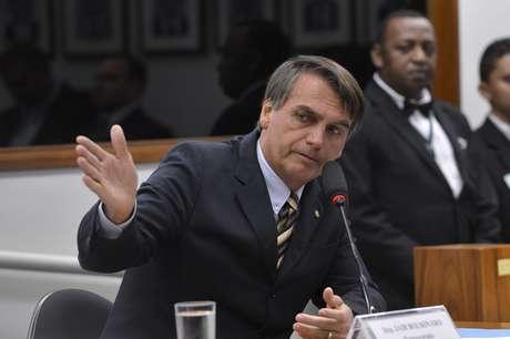 Com a decisão do STF, o deputado Jair Bolsonaro (PSC-RJ) vira réu por injúria e incitação ao estupro