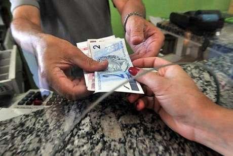 Banco Central decidiu que bancos são obrigados a trocar moeda ou cédulas falsas sacadas em caixa ou terminais de autoatendimento