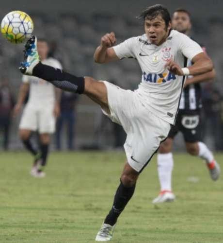 Paraguaio é o artilheiro do Corinthians na temporada, com 10 gols