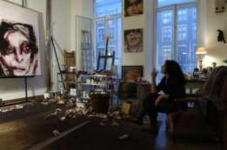 Lita Cabellut em seu estúdio