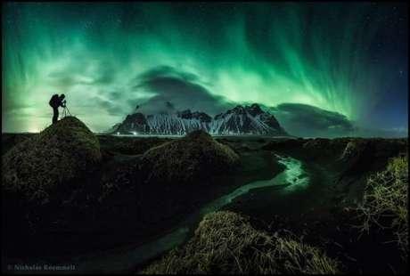 """""""O concurso estimula fotógrafos com imaginação a levar suas câmeras ao limite técnico para produzir imagens que pareçam naturais e sejam esteticamente agradáveis"""", disse David Malin, do painel de jurados. A foto acima é de Nicholas Roemmelt, segundo colocado na categoria beleza: uma aurora boreal capturada em março de 2015 em Stockiness, na Islândia."""