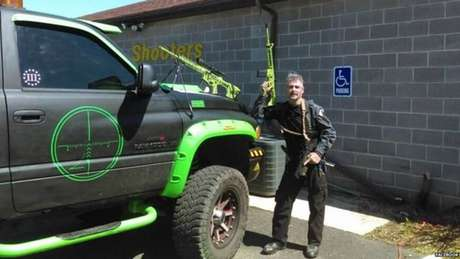 John Cramsey é dono de uma empresa de treinamento para uso de armas na Pensilvânia