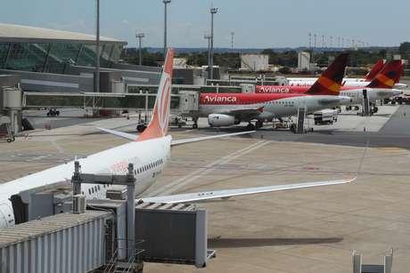 O teto das tarifas de embarque e de conexão de passageiros e de pouso e de permanência das aeronaves foi reajustado em 9,44% em Guarulhos e em 7,89% em Campinas