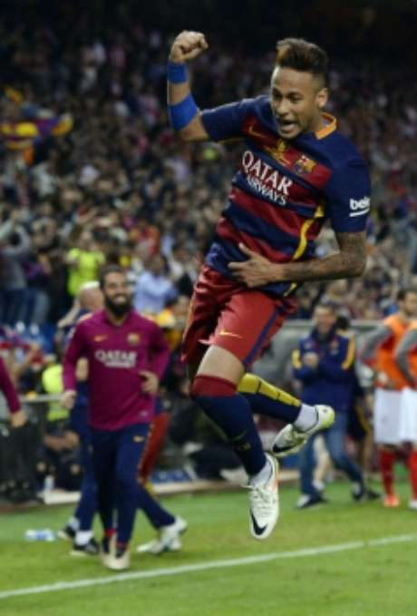 Veja imagens da carreira de Neymar