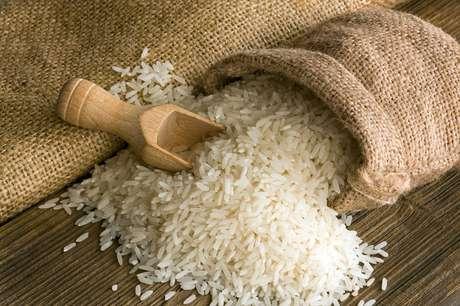 Fortes chuvas no RS afetaram produção do arroz e podem continuar elevando os preços