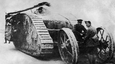 Tanques foram usados pela primeira vez na Batalha do Somme