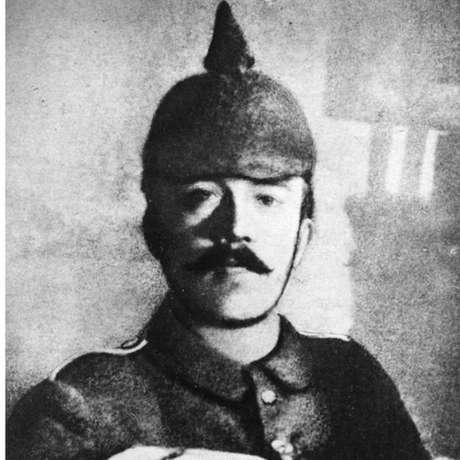 O jovem Hitler foi ferido duas vezes na Batalha do Somme