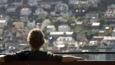 Sem nenhuma dificuldade, é possível verificar quem é o dono e qual é a fortuna de qualquer pessoa que vive nessas casas em Bergen