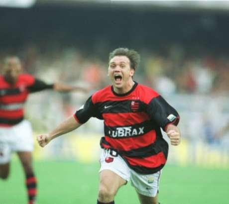 Petkovic, da camisa 10 à 43, sempre mantendo o Flamengo no rumo dos títulos