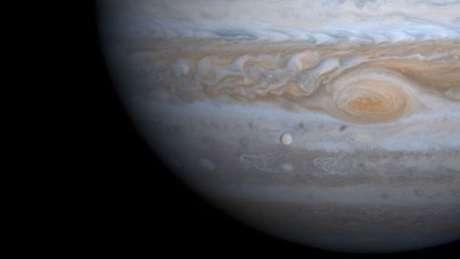 Um dia em Júpiter dura 10 horas terrestres