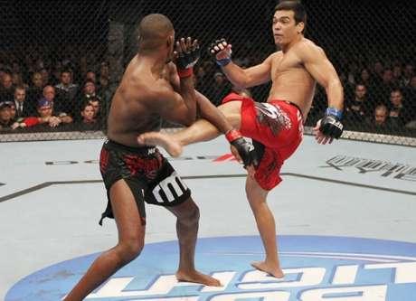 Lyoto Machida e Jon Jones (Foto: Divulgação/UFC)