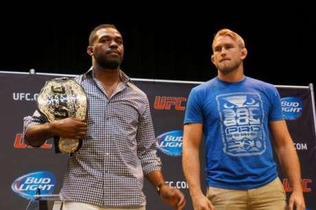 Jon Jones, Alexander Gustafsson (FOTO: Divulgação/UFC)