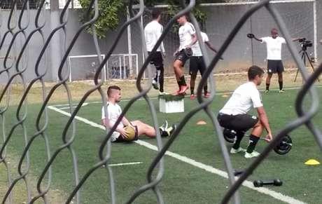 Jean Chera em seu primeiro treino após volta ao Santos