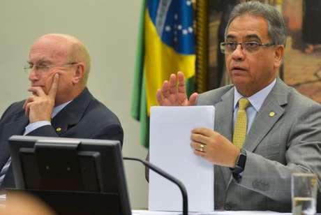 O  parecer  de  Ronaldo  Fonseca  foi  lido  na  CCJ na quarta-feira passada