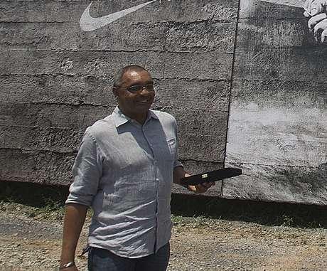 Basílio, autor de um dos gols mais importantes da história do Corinthians, diz que perdeu oportunidades como técnico por causa de racismo