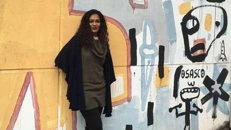 Ane Sarinara tem 27 anos e é professora há oito; é militante do movimento negro e feminista e, homossexual assumida, também combate o preconceito contra a comunidade LGBT