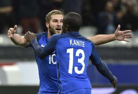 Kanté troca Leicester pelo Chelsea — Oficial